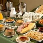 Desayuno Completo Hotel Grand Bariloche Rio Negro
